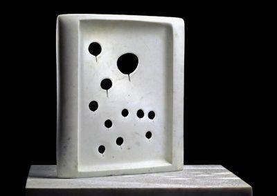 11 Transparences, 2006 Marbre blanc 64 x 51 x 4 cm