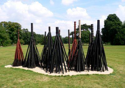 Ville Forêt, statue du Parc de Bagatelle Bois de manguier brûlé 12 x 8 x 5 m