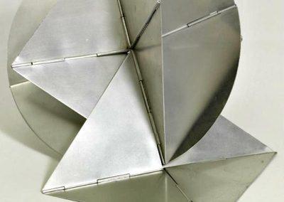 Bicho, 1960 Aluminium 55 x 36 x 36 cm