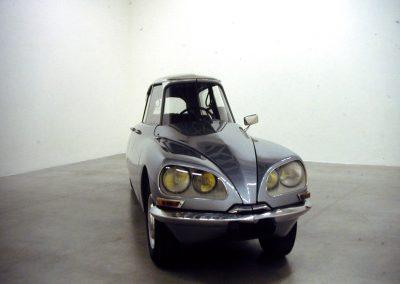 La D.S, 1993 Citroën D.S aplatie 140 x 483 x 115 cm