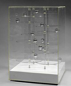 Microcosmos, 1970 Installation 123 x 79 x 79 cm