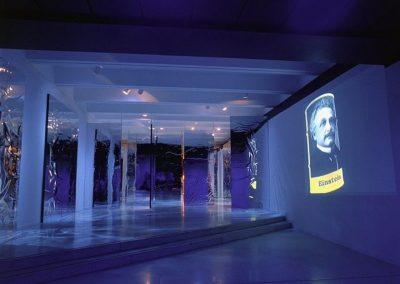 Le modèle standard de la matière, 1999 Installation multimédia interactive