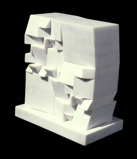 N°415, 1973 Marbre de Carrare 20 x 18 x 10,5 cm