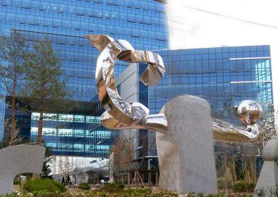 Sculpture monumentale, 2010 Installation,  Palais de justice de Séoul