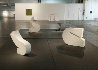 Structures primaires, 1968 Bois peint Dimensions variables